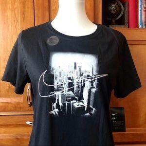 Nike | Women's Large Chicago Marathon City T Shirt